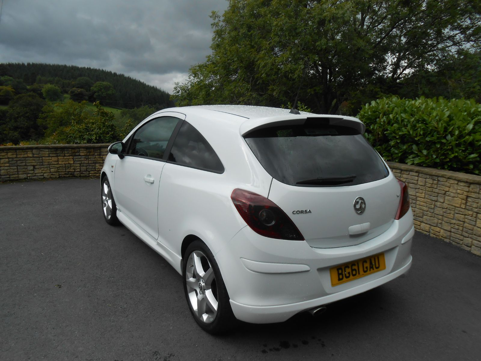 vauxhall corsa 1 4 sri car for sale llanidloes powys mid wales kevin jones cars used cars. Black Bedroom Furniture Sets. Home Design Ideas