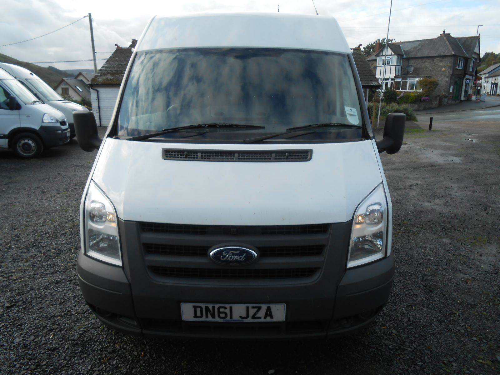 ford transit 2 2 tdci 85 t260s swb medium roof car for sale llanidloes powys mid wales kevin. Black Bedroom Furniture Sets. Home Design Ideas