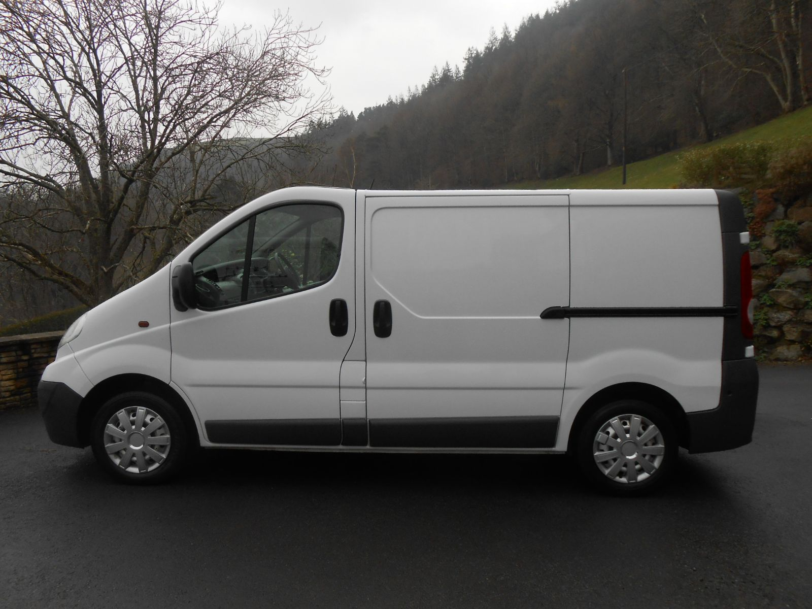 Personal Contract Hire >> Vauxhall Vivaro 2.0 CDTi 115 2700 SWB car for sale Llanidloes Powys Mid Wales Kevin Jones Cars ...