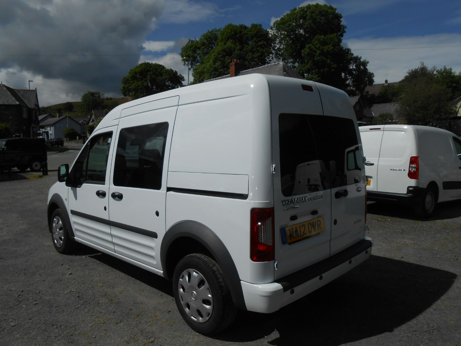 Ford Transit Connect T230 1 8 Tdci 110 Trend Crew Van Car