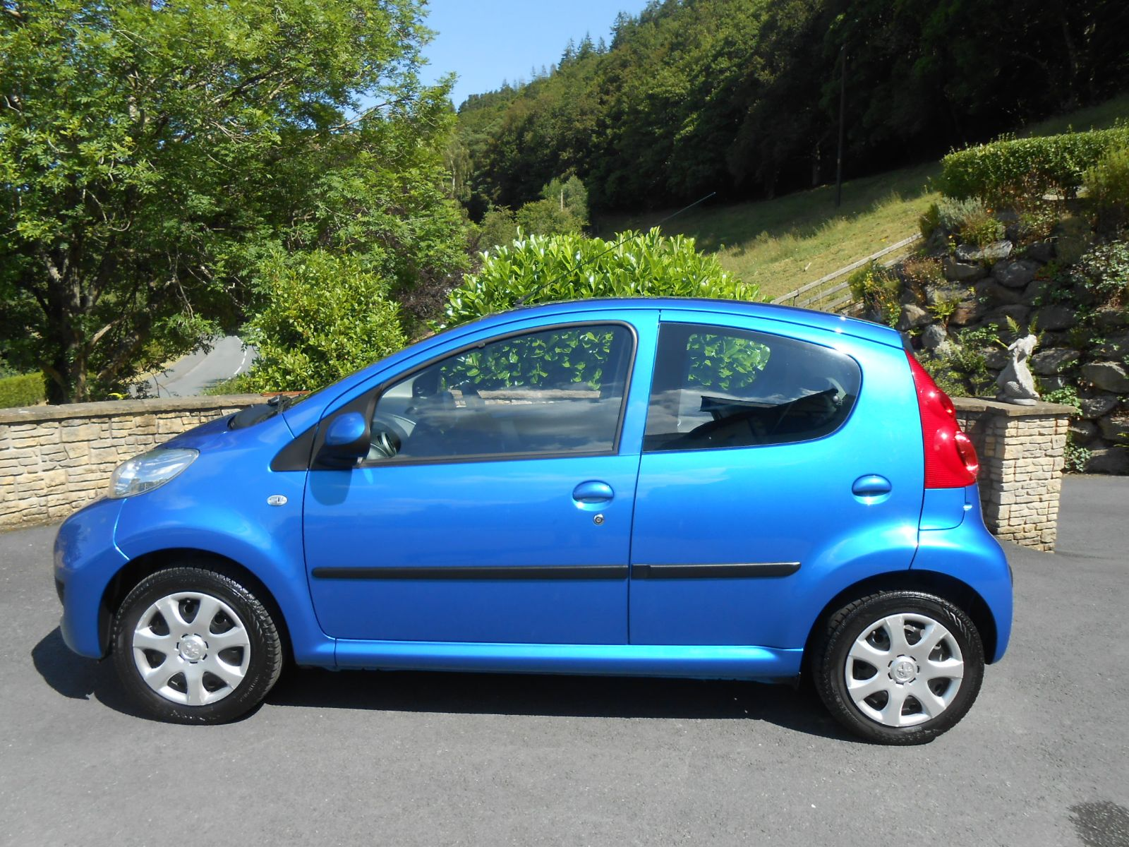 peugeot 107 1.0 urban 5 door car for sale llanidloes powys mid