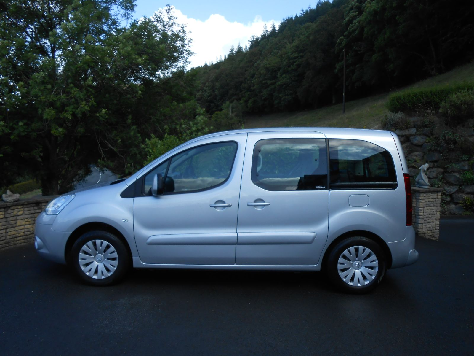 citroen berlingo 1 6 hdi multispace vtr car for sale llanidloes powys mid wales kevin jones cars. Black Bedroom Furniture Sets. Home Design Ideas