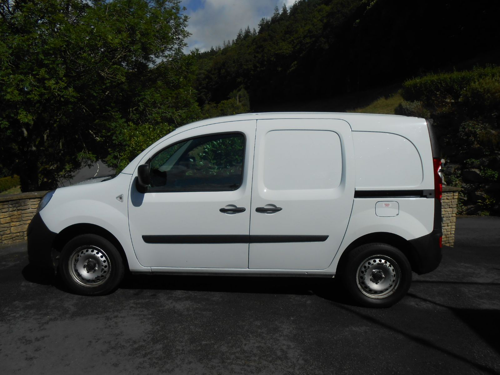 renault kangoo 1 5 dci ml19 car for sale llanidloes powys. Black Bedroom Furniture Sets. Home Design Ideas