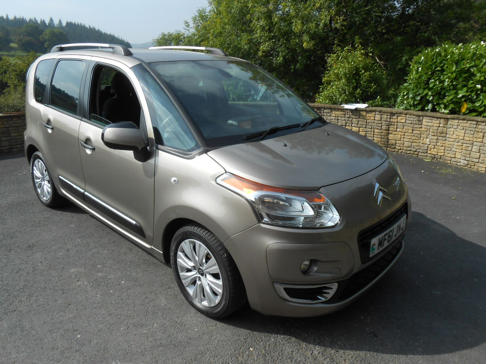 citroen c3 picasso 1 6 hdi exclusive 5 door car for sale llanidloes powys mid wales kevin jones. Black Bedroom Furniture Sets. Home Design Ideas