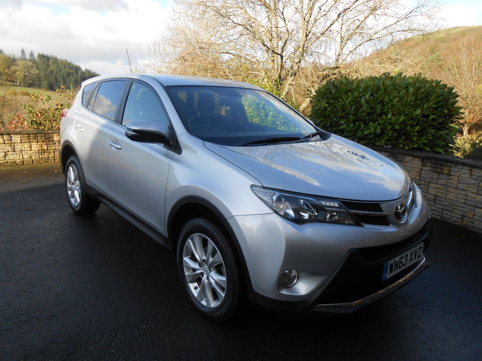 toyota rav4 2 2 d 4d icon car for sale llanidloes powys mid wales kevin jones cars used cars. Black Bedroom Furniture Sets. Home Design Ideas