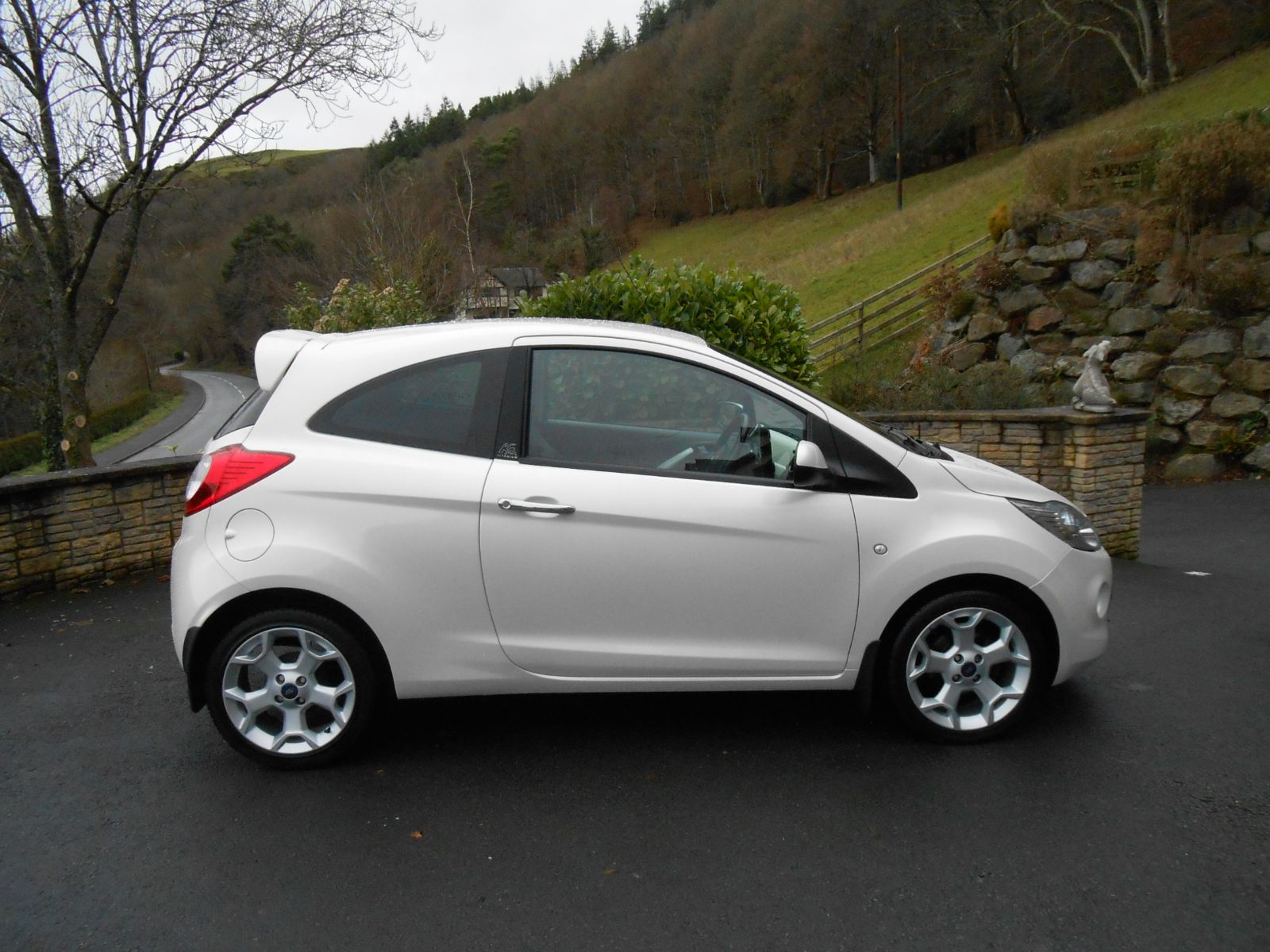 ford ka 1 2 titanium car for sale llanidloes powys mid wales kevin jones cars used cars specialist