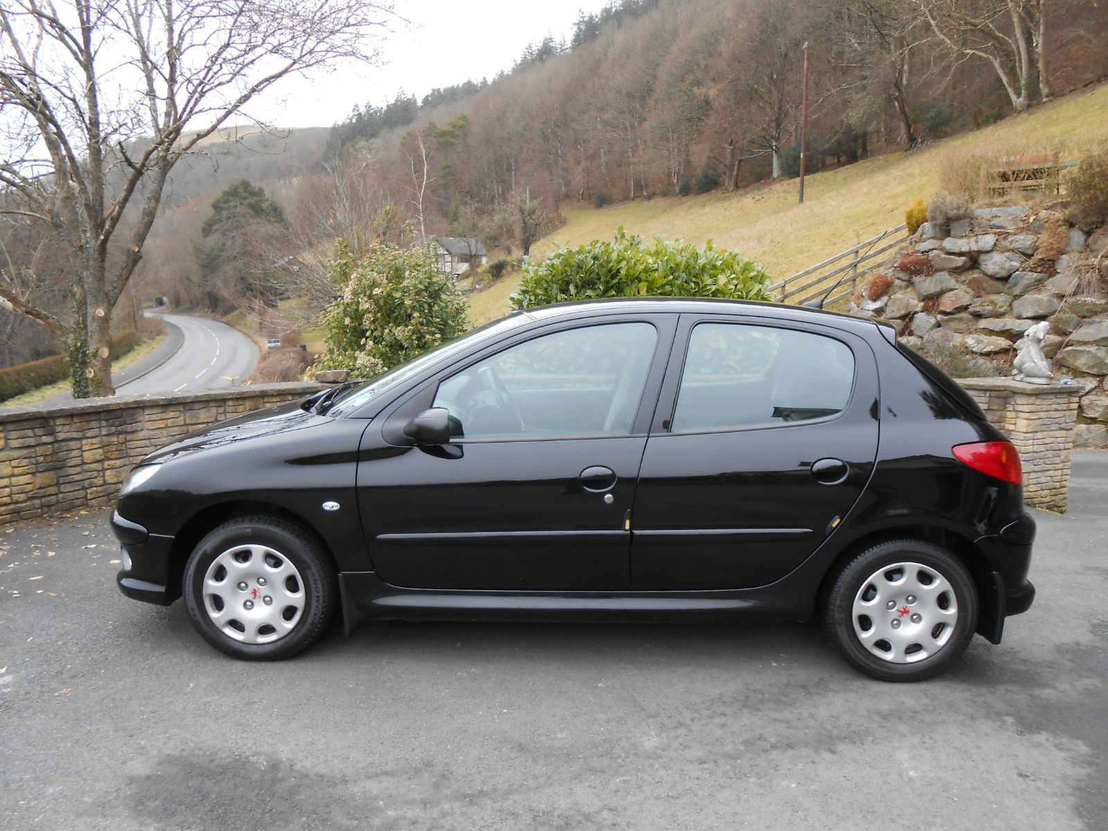 peugeot 206 1 4 hdi look 5 door car for sale llanidloes powys mid wales kevin jones cars used. Black Bedroom Furniture Sets. Home Design Ideas