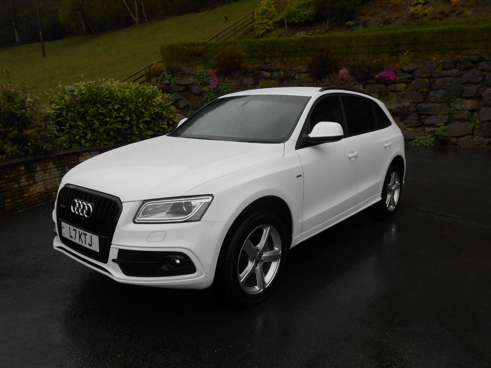 Audi Q5 2.0 TDi 177 S-Line car for sale Llanidloes Powys Mid Wales Kevin Jones Cars - Used cars ...